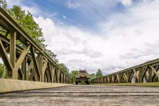 75th anniversary of D-Day - Classic Car Road Trip Normandy, 75 years after D-Day: A Sherman M32B1 on the Bailey Bridge at the Overlord Museum in Colleville-sur-Mer. The...