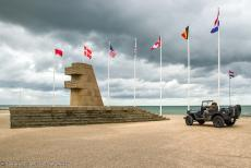 75th anniversary of D-Day - Classic Car Road Trip Normandy, 75 years after D-Day: Our own Ford GPW Jeep in front of the Monument 6 June 1944 in Bernières-sur-Mer,...
