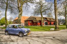 Stuyvesant Tour - Stuyvesant Mini Tour 2017: Our Mini Authi in front of a historic farm and coach house on the country estate 'De...