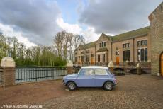 Stuyvesant Tour - Our Mini Authi in front of the Wouda Steam Pumping Station in Lemmer, Friesland. After the Stuyvesant Tour 2017 ended in the village of...